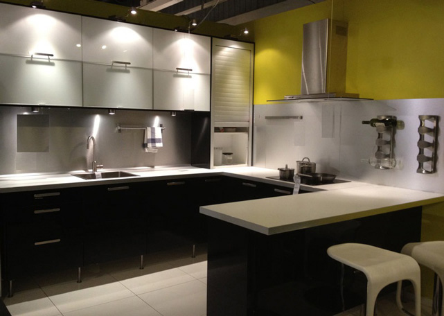 U-Shaped Kitchen Layout with Dark Colour